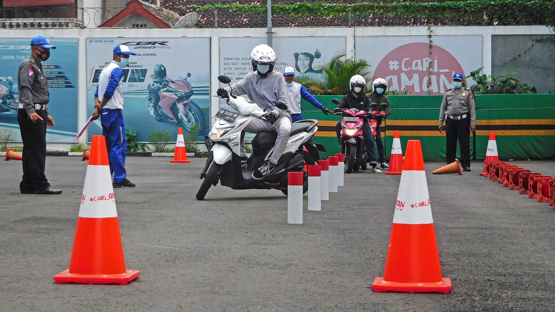 Astra Motor Yogyakarta Beri Pembekalan Kepada Calon Pemilik SIM C Baru